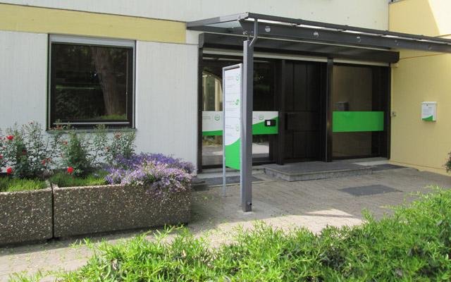 Die Geschäftsstelle der MR Grün- und Winterservice GmbH in 71083 Herrenberg, Nagolder Straße 27 ist geöffnet Montag-Freitag: 8:00-12:30 Uhr und Montag-Donnerstag: 14:00-17:00 Uhr