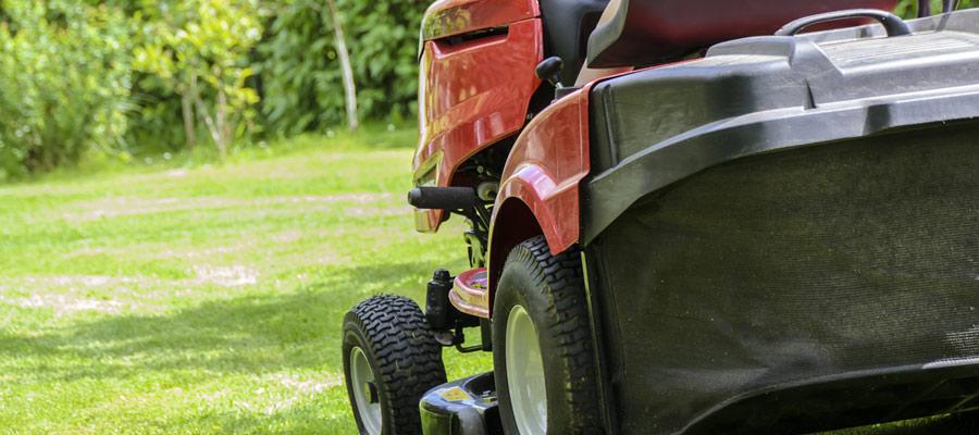 Grünflächenpflege und Reinigung von Außenanlagen – Für Unternehmen, Kommunen, Behörden und Organisationen bietet der Maschinenring ein  breites Spektrum an Fachwissen und Manpower, samt dem erforderlichen Maschinenpark.