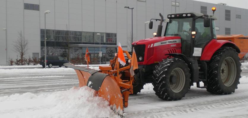 Vor allem in den Industriegebieten der Region Leonberg-Renningen-Weil der Stadt betreut die Grün- und Winterservice GmbH mit ihrem verlässlichen Winterdienst viele Objekte.
